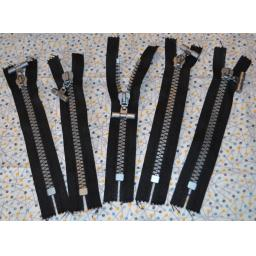 Super Chunky Zips 7 inch (T-bar puller)