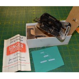 SINGER Black Buttonhole Attachment